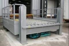 Piattaforma di carico e scarico container